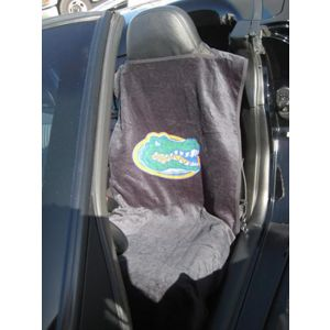 Seat Armour ® - Pair of Black Towel Seat Covers with NCAA UF Gators Logo (SA100GATORS)