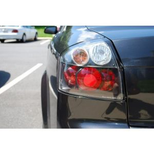 Spyder Auto ® - Black Euro Style Tail Lights (5000002)
