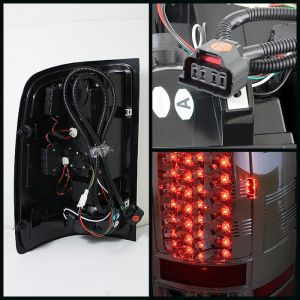 Spyder Auto ® - Chrome LED Tail Lights (5014931)