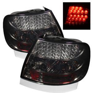 Spyder Auto ® - Smoke LED Tail Lights (5000132)