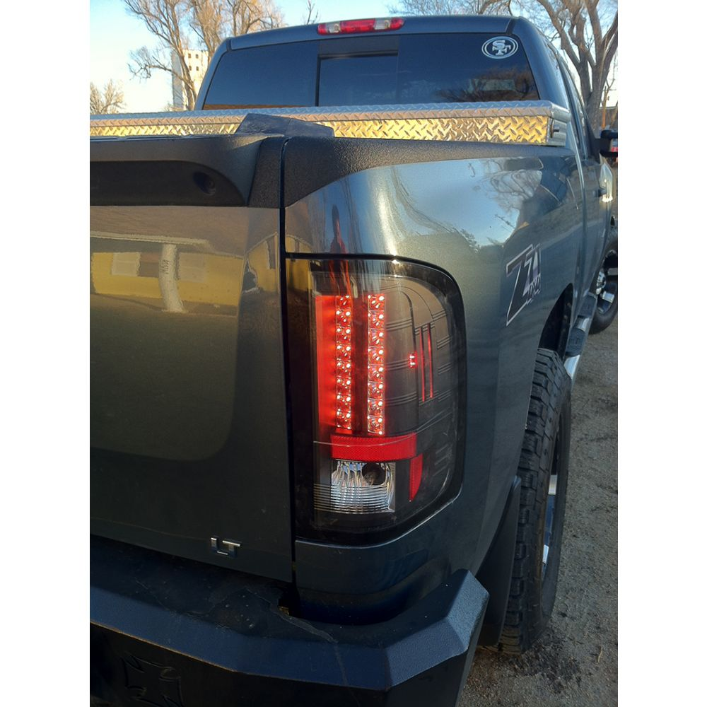Spyder Auto ® - Black LED Tail Lights (5001771)