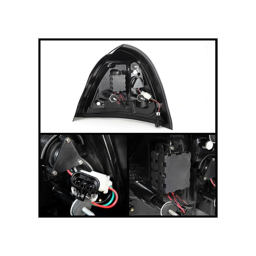 Spyder Auto ® - Chrome Light Bar LED Tail Light (5075598)